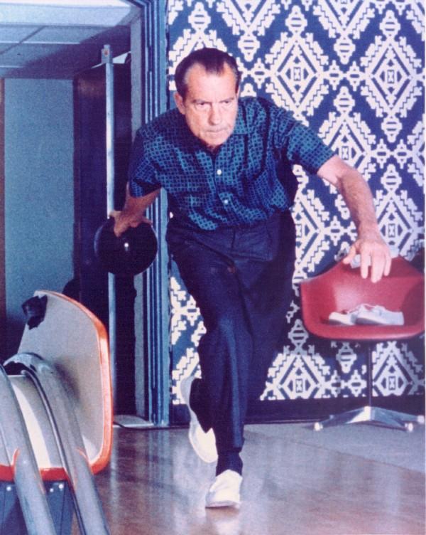 Richard-Nixon-Bowling