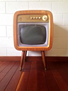 retro-vintage-tv-set-1411638